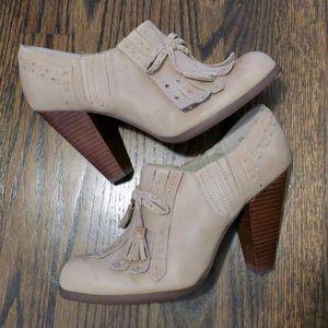 Seychelles oxford loafer tassel heels size 10